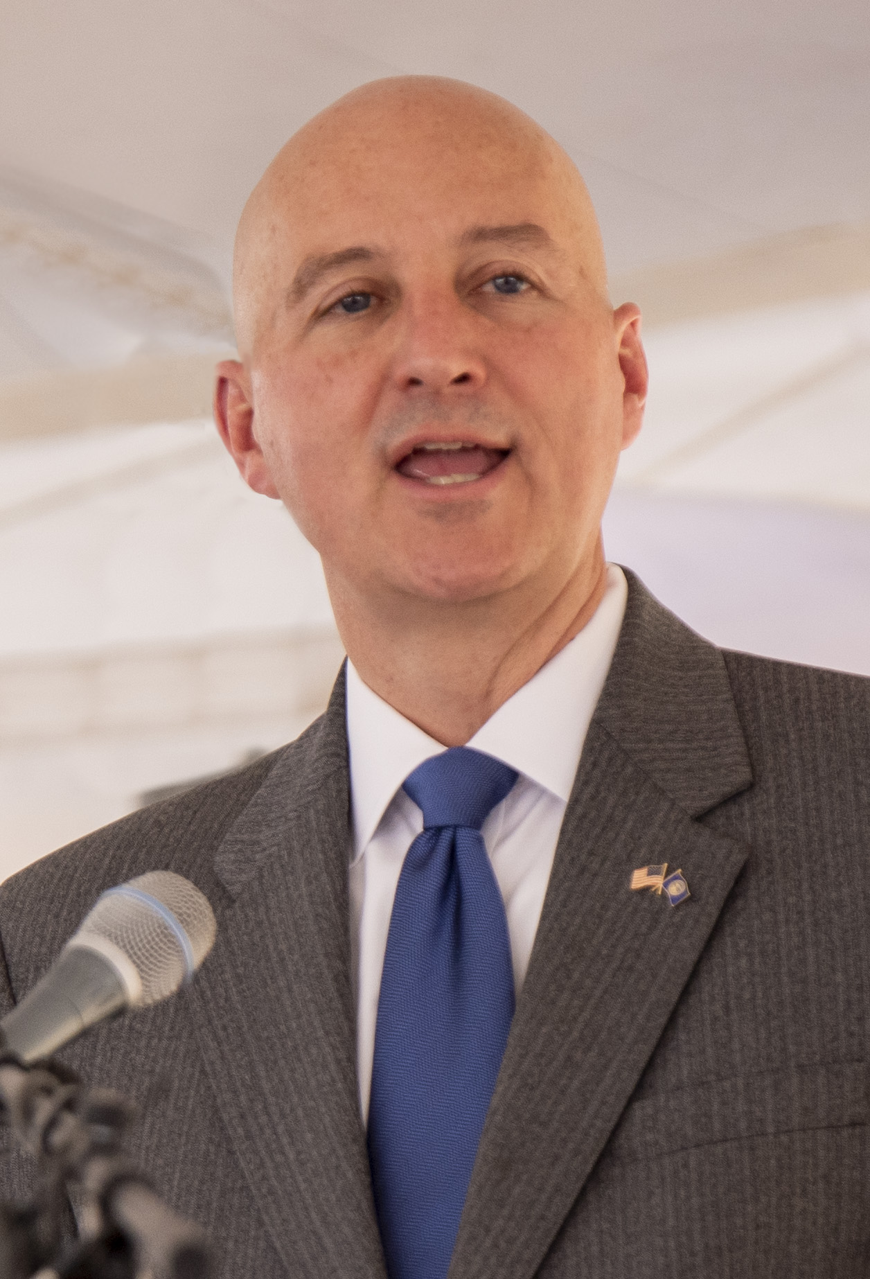 Pete Ricketts Visits Behlen